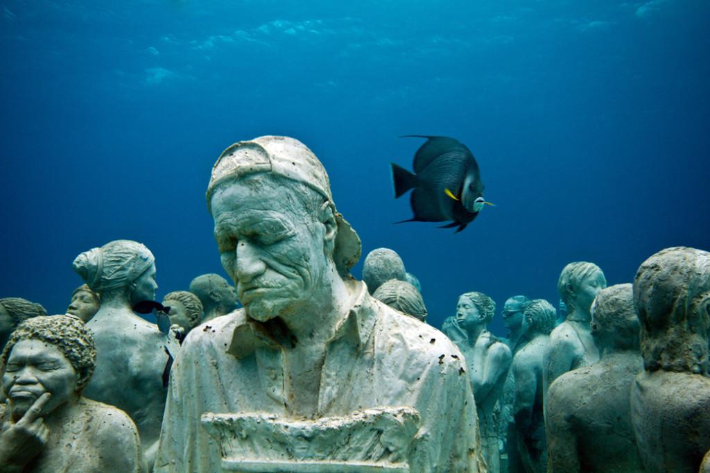 The-silent-evolution-underwater-sculpture