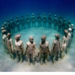 underwater-statues