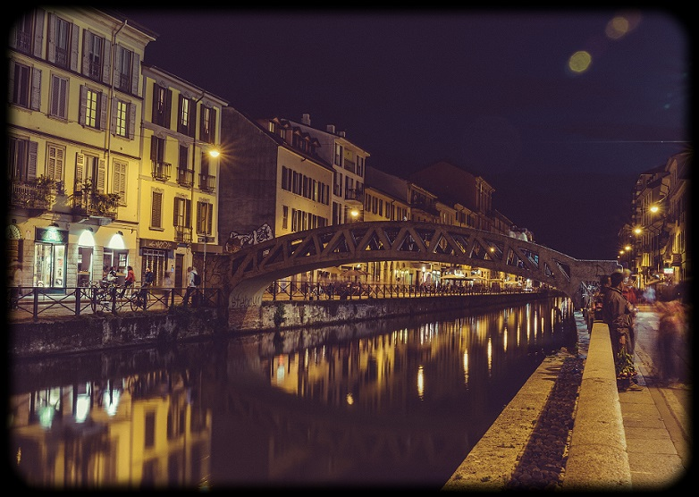 Naviglio_Grande_at_night_(Milan)