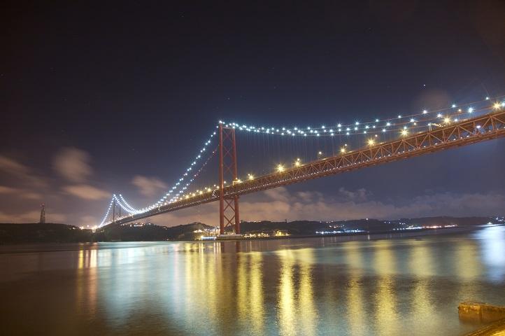 Ponte_Sobre_o_Tejo_by_Night(lisbon)